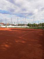 Tennisplaetze_oben_2_4K